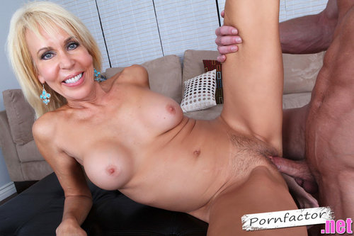 Erica Lauren in My Friends Hot Mom