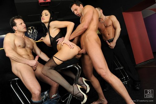 Aletta Ocean Empire - Aletta Ocean - On A Man Hunt