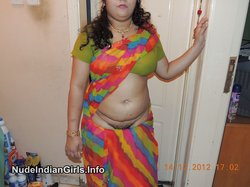 Indian Big Fat Aunty Showing her Big Boobs & Hairy Pussy to Lover